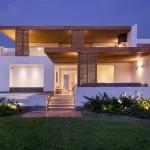 DA-LAB Arquitectos Give Peruvian Beach House A Contemporary Update