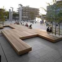 Harris Isola Bench by Metalco