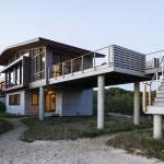 "Ruhl Walker Architects Design ""House of Shifting Sands"" In Cape Cod"