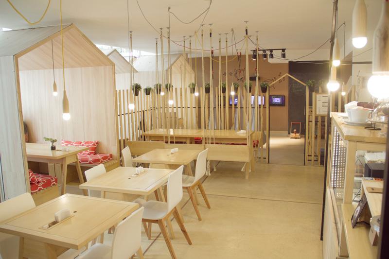 Cafe/Restaurant By Íris Cantante