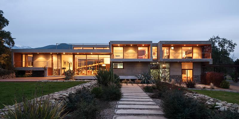 Corredor House By Chauriye Stäger Architects