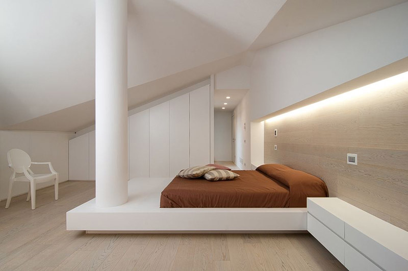 Custom Bed Incorporates An Awkwardly Placed Column