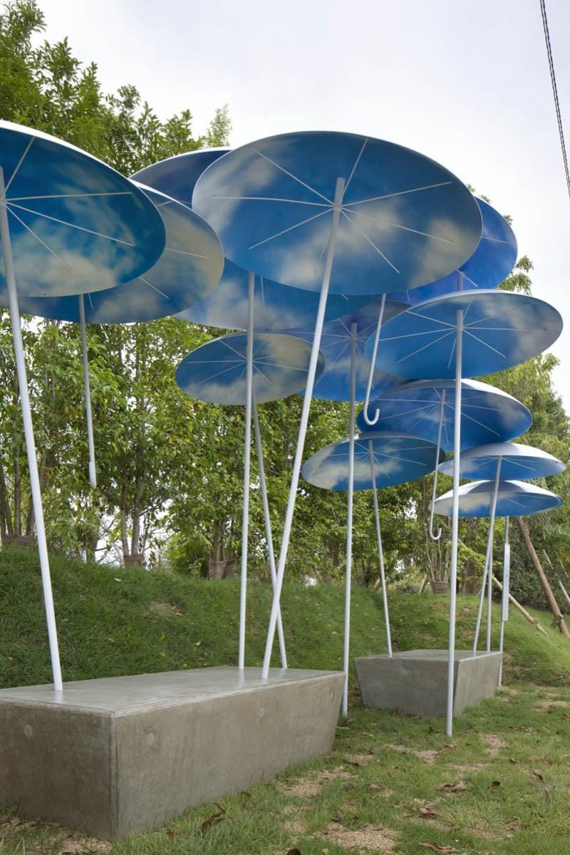 umbrella-bus-stop_030615_03