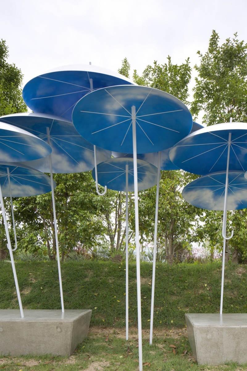umbrella-bus-stop_030615_04