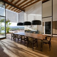 House in Quinta da Baroneza By Candida Tabet Architecture