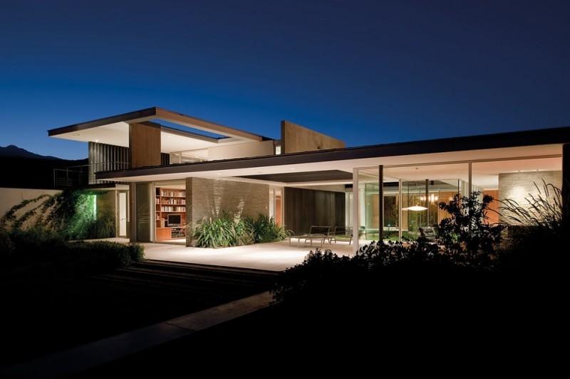57STUDIO Design A Concrete House Around A Central Courtyard