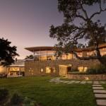 A Coastal California Home Of Glass And Stone