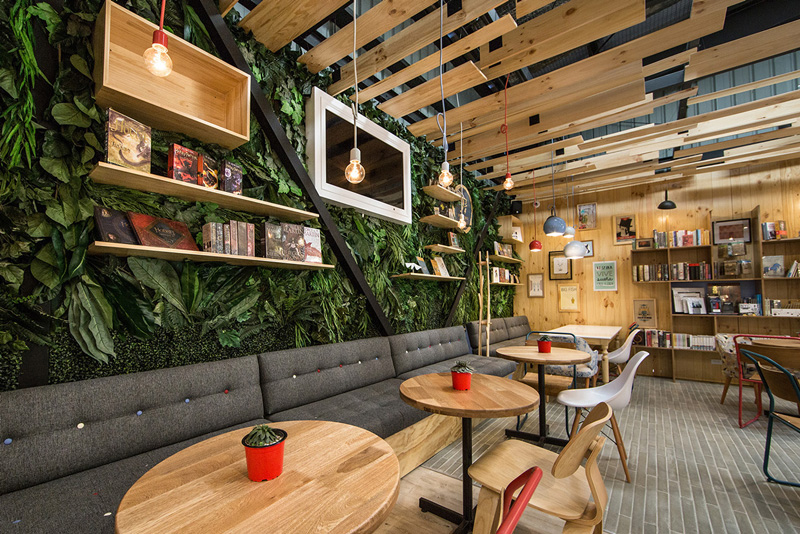 9 3/4 Bookstore + Café By Plasma Nodo