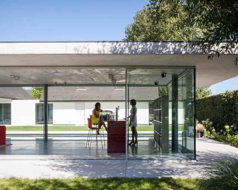 F20 Pool House By Lieven Dejaeghere