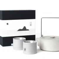 The Round Square Teaware By Chuntso Liu