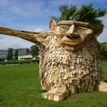 "Thomas Dambo Creates Recycled Wood Sculpture Called ""Troels The Troll"""