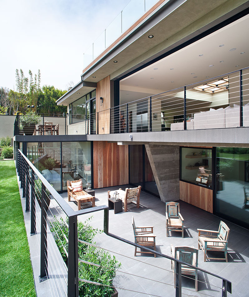 Bellino Drive Residence by Mayes Office