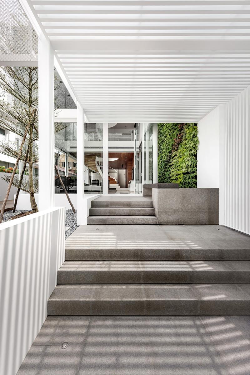 Good Greja House By Park + Associates