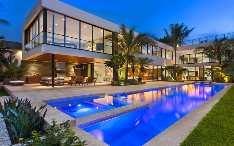 Luis Bosch Designs And Builds A New Modern Miami Beach