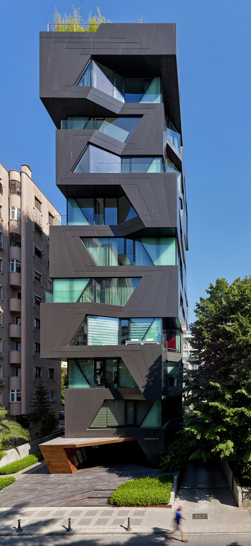 Apartment Building by Aytac Architects