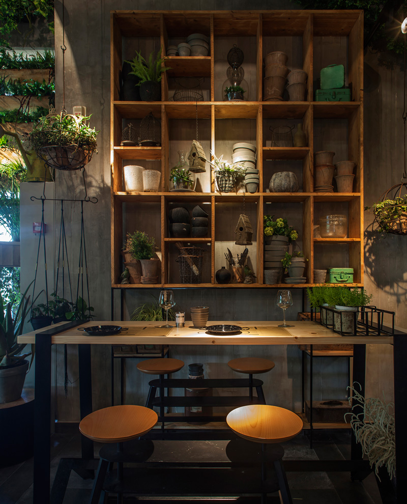 The Kitchen Studio: The Plants In This Restaurant Are Herbs That The Chef Uses