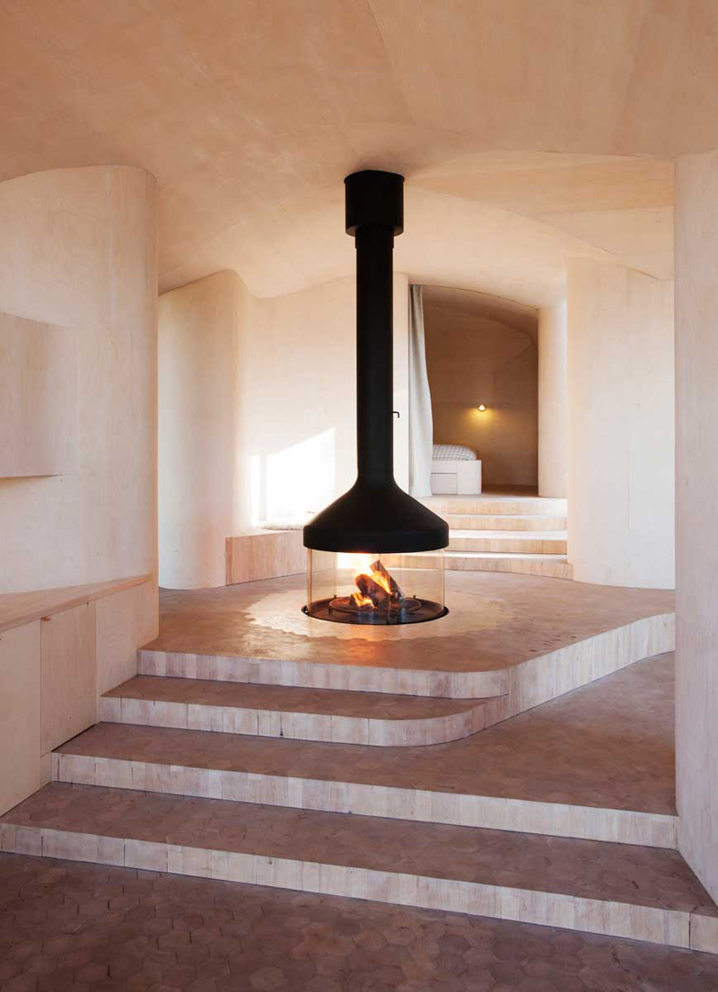 9 Freestanding Fireplaces That Make A Statement