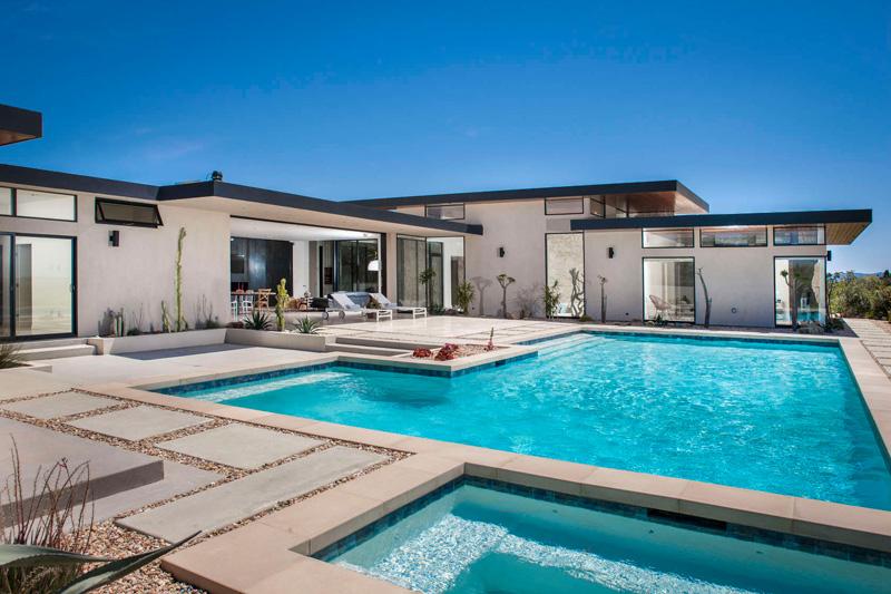 House in California by Nakhshab Development & Design