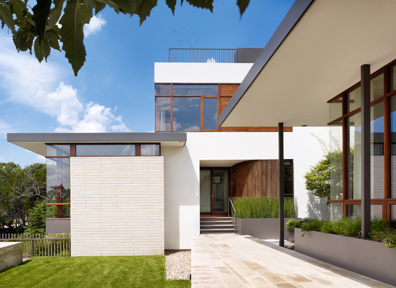 Lakeview Residence by Alterstudio Architecture
