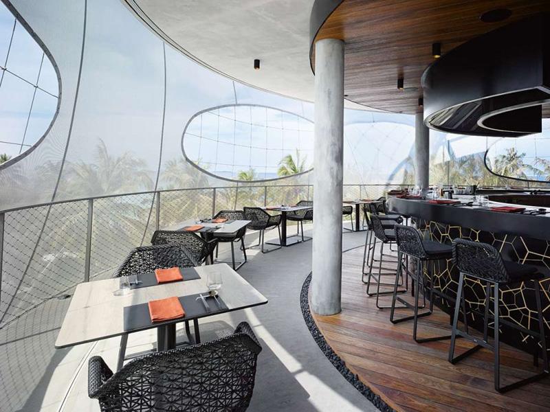 Tavaru Restaurant & Bar by Petr Kolar