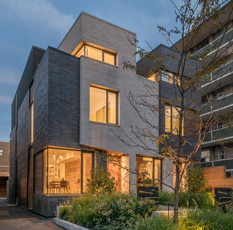 Luc bouliane design two new homes in toronto s forest hill for Modern townhouse architecture
