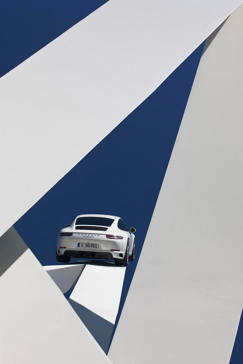 Jerry Gudah Creates A Sculpture Celebrating The Porsche 911