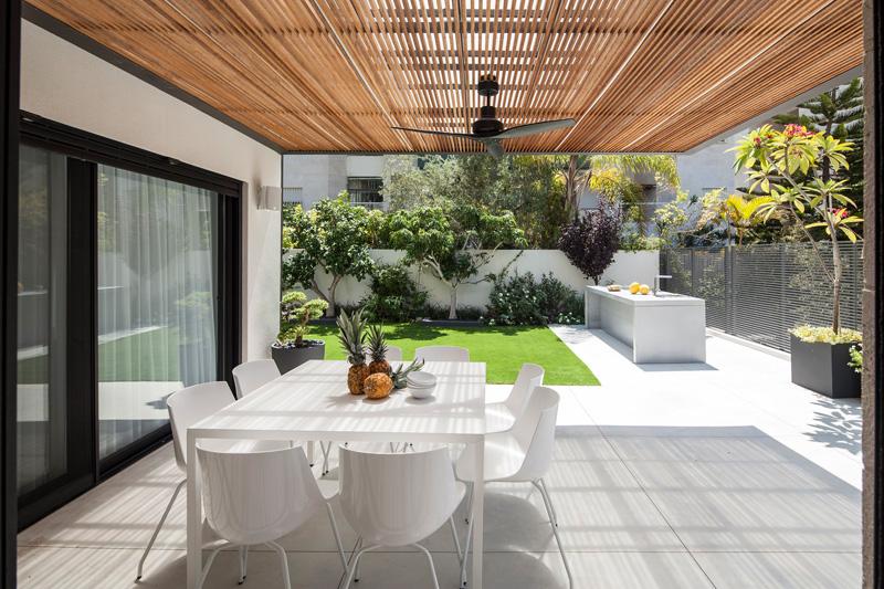 B House by Tal Goldsmith Fish Design Studio