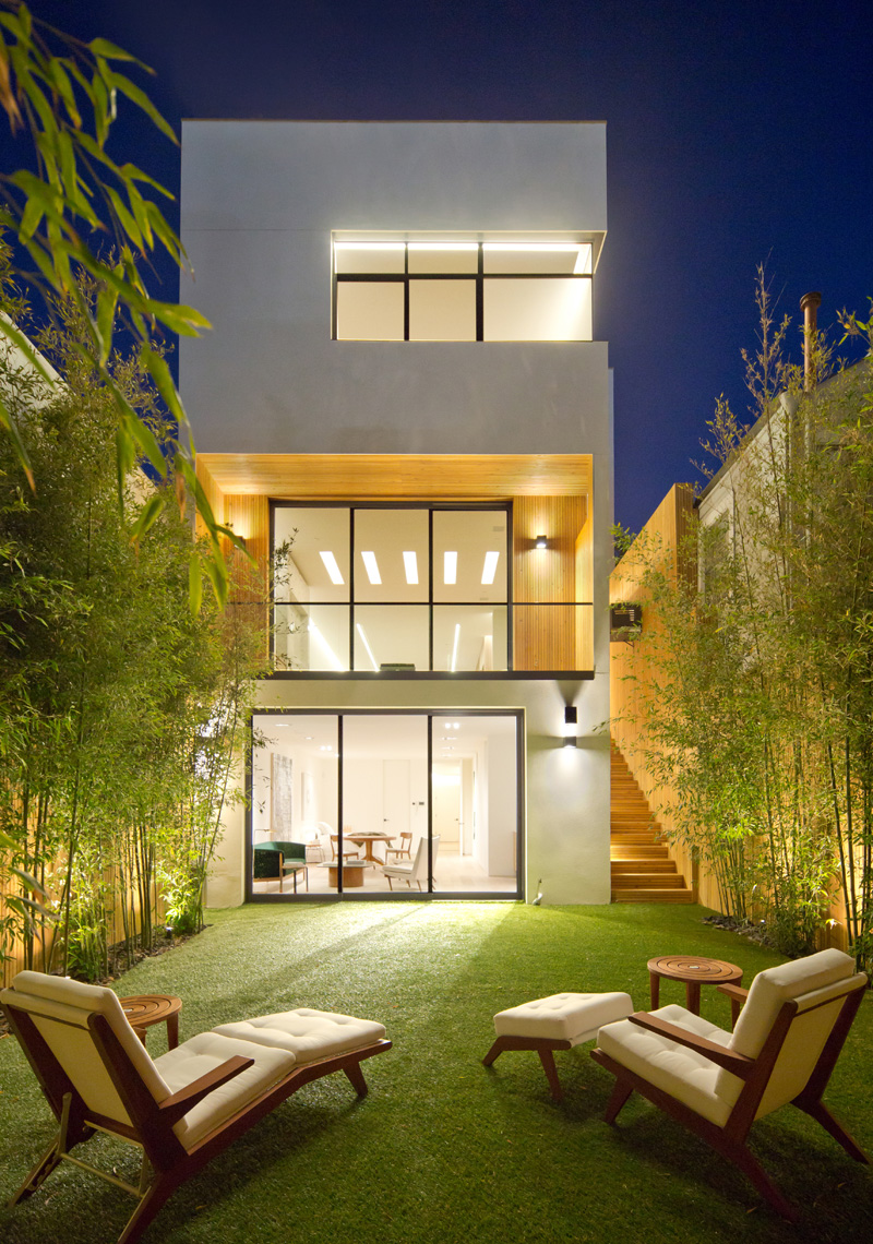 N° 1864 Greenwich by M-PROJECTS together with Larson Shores Architecture + Interiors