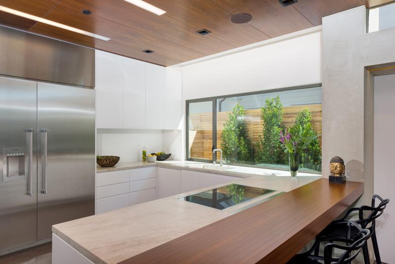 Contemporary house in Santa Monica, California, designed by Kovac Design Studio