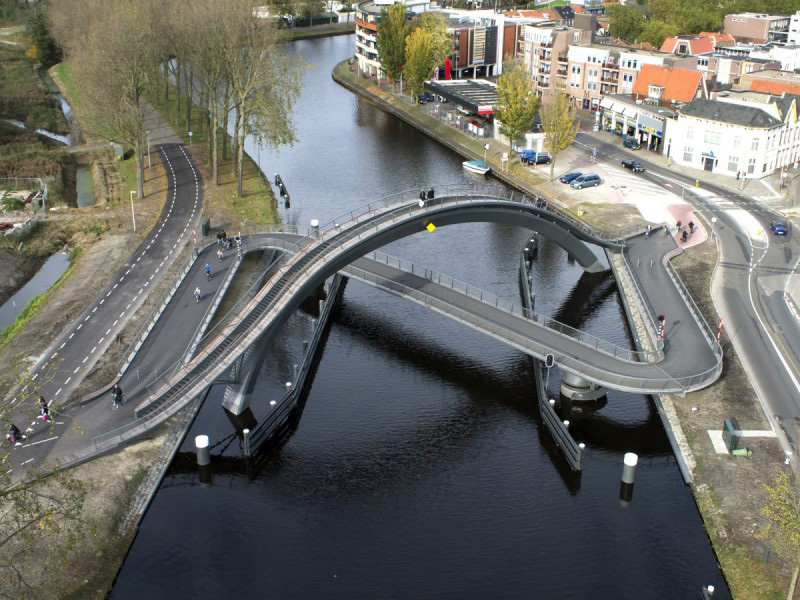 9 Pedestrian Bridges From Around The World