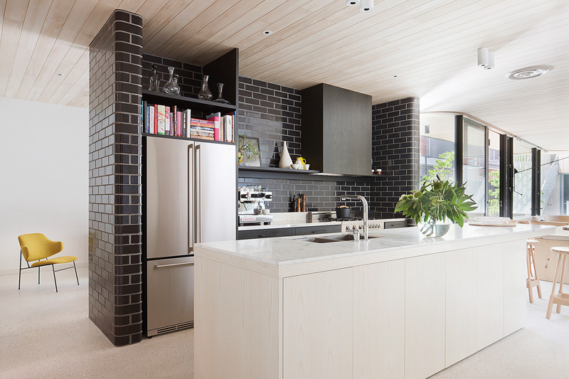 Superieur Design Detail   This Architect Used Glazed Bricks In Her Own Kitchen