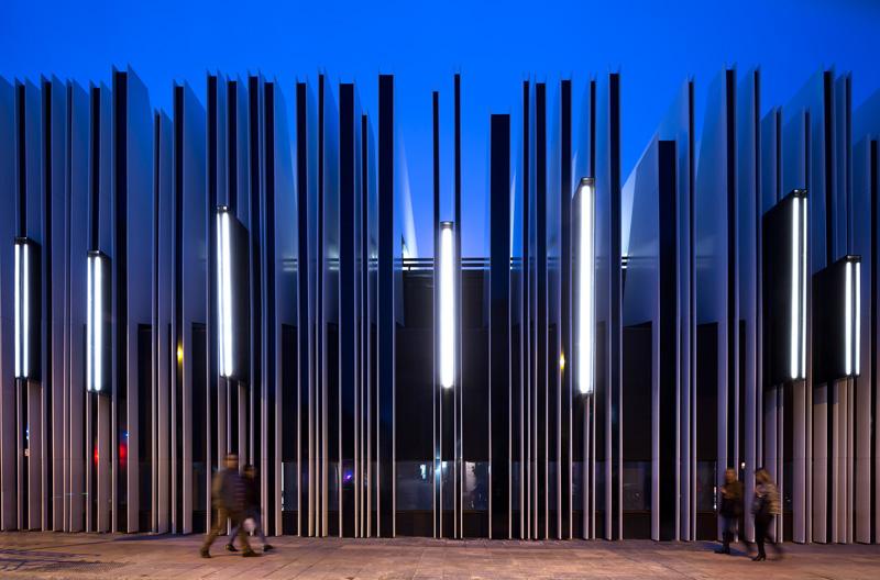 photography by rubn p bescs building facade lighting