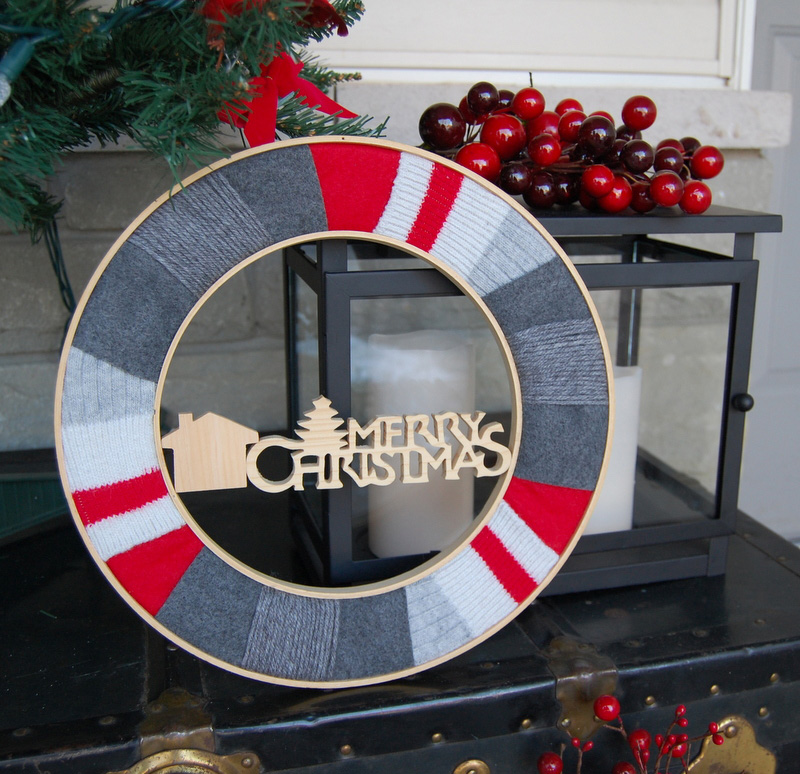 12 Modern Christmas Wreath DIY Ideas // Upcycled Wreath