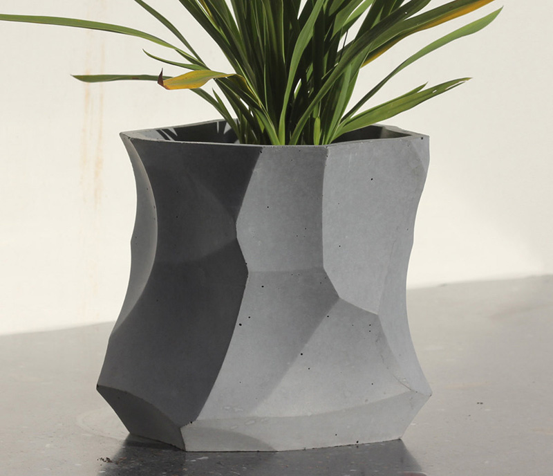 Modern concrete planters, like this one by Digitized Stone, adds a geometric touch to any interior. #Planters #SmallPlanters #Plants #Decor #HomeDecor #GiftIdea #ConcretePlanter