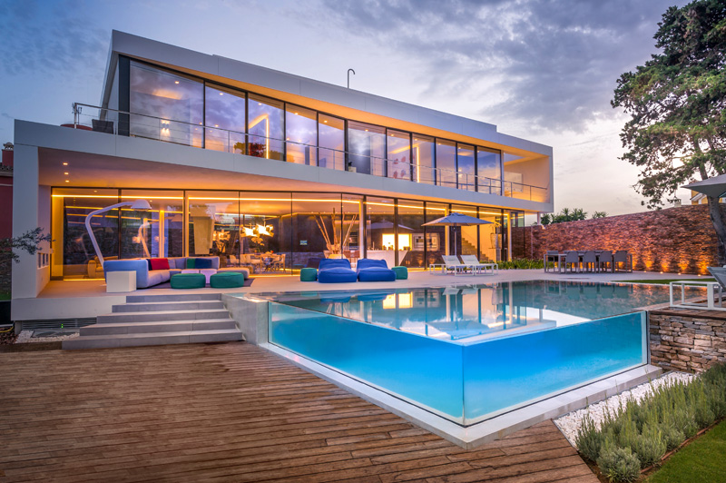 Cool Blue Villa in Spain by 123DV