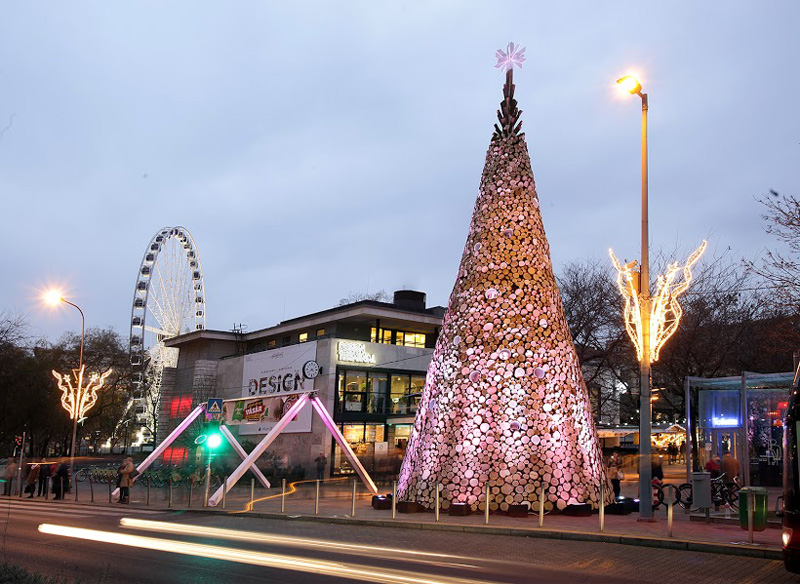 Giant Christmas Trees Have Sprouted Up In Budapest, London And Manchester