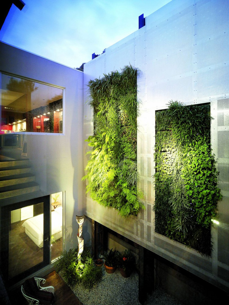 8 reasons why green walls are awesome contemporist for Green wall advantages