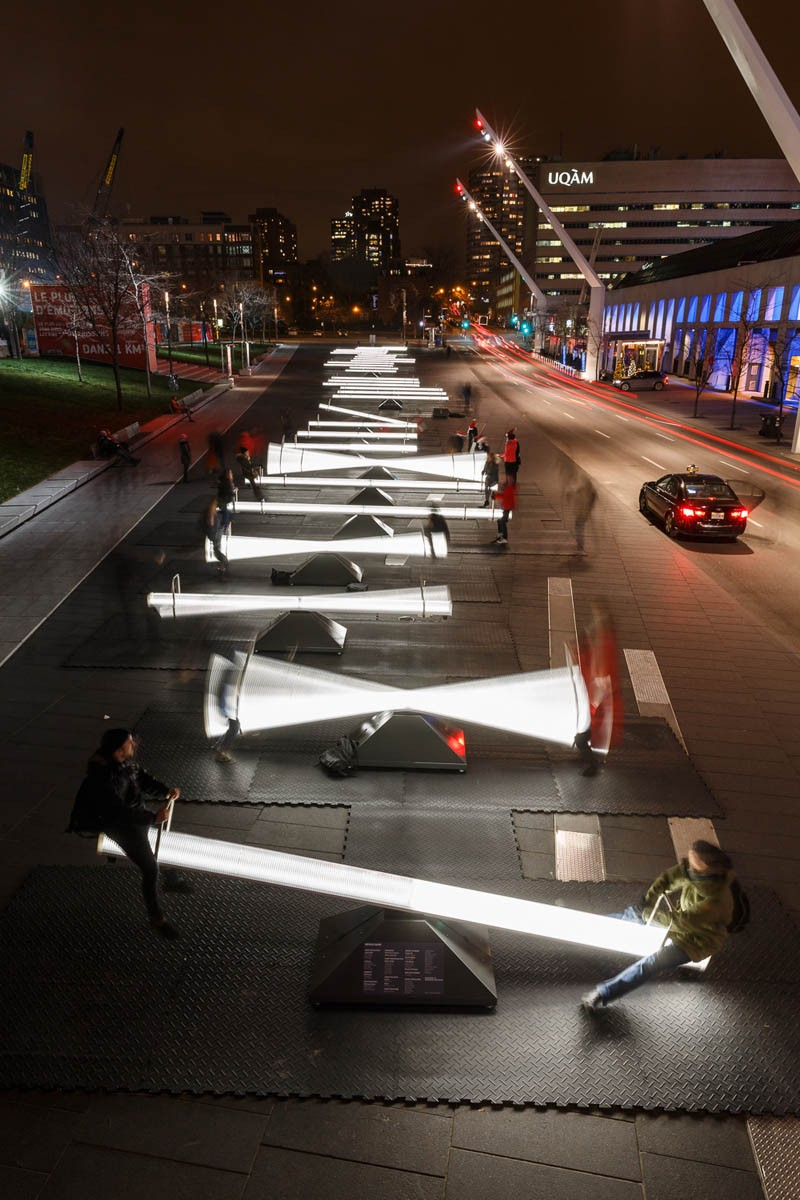 Light-filled seesaws in Montreal