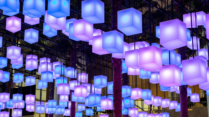 A glowing canopy of 650 lanterns inside New York?s Brookfield Place