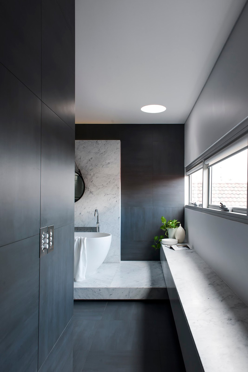 13 Inspirational Photos Of A Monotone Bathroom