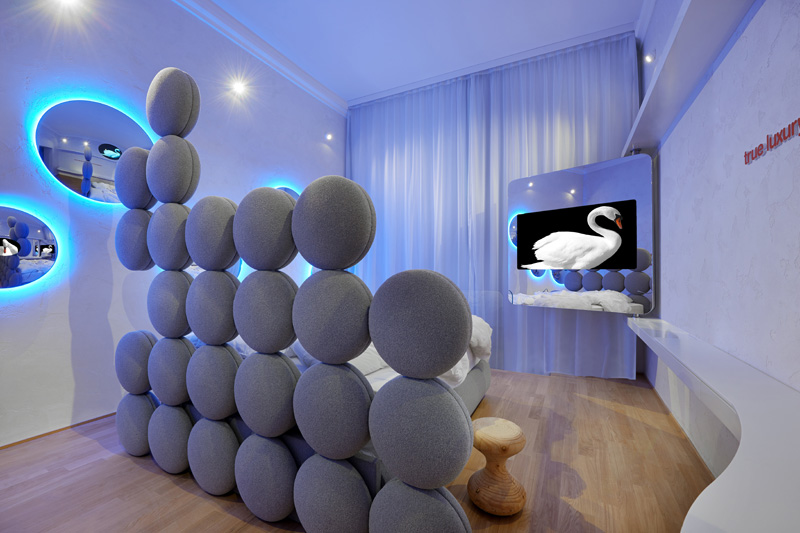 Swan Room by Simone Micheli for TownHouse Duomo