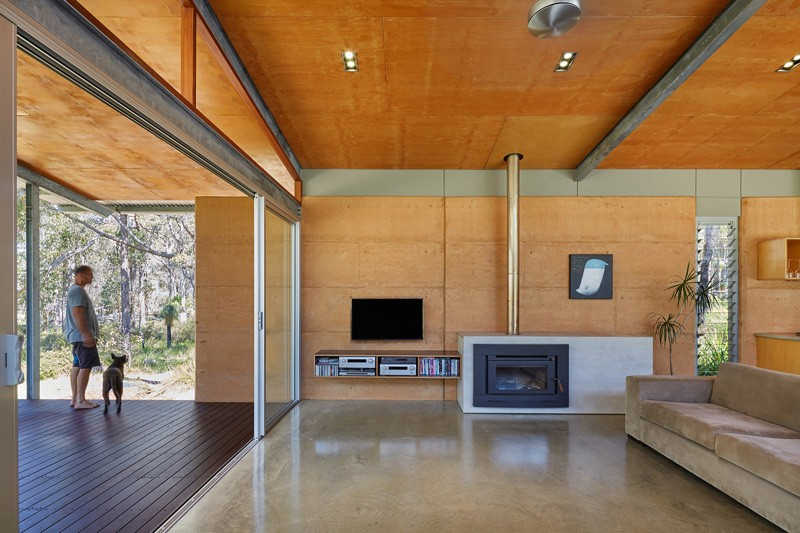 Bush House by Archterra Architects
