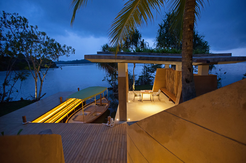 This resort is on an island in the middle of a Sri Lankan lake