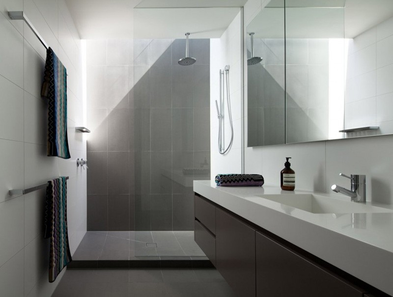 10 inspirational examples of gray and white bathrooms for Bathroom designs melbourne
