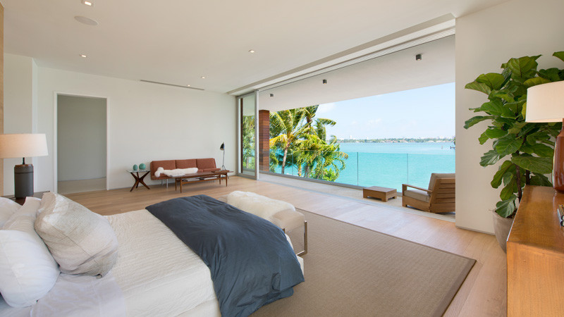A contemporary home on DiLido Island in Miami Beach, designed by Max Strang and built by Luis Bosch