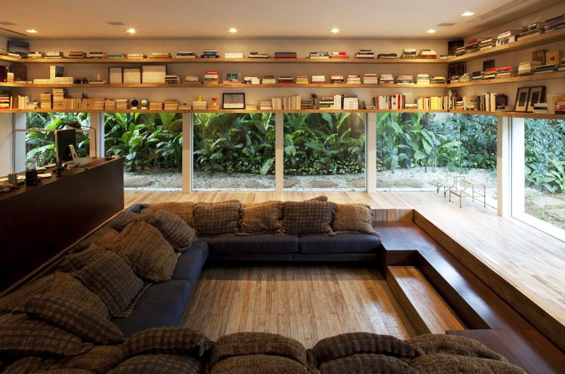 8 examples of how sunken seating has been incorporated into an interior. #SunkenSeating #ConversationLounge #ConversationPit #LivingRoom