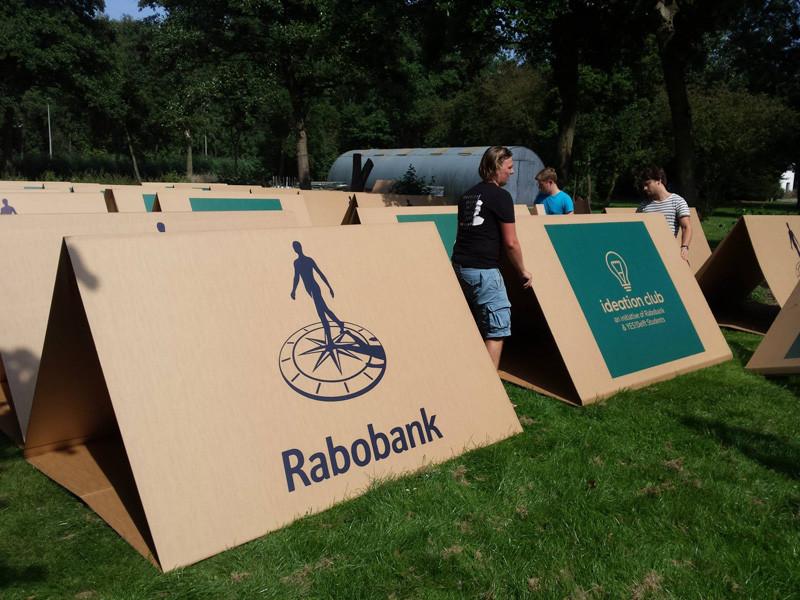 KarTent, a cardboard tent for festivals.
