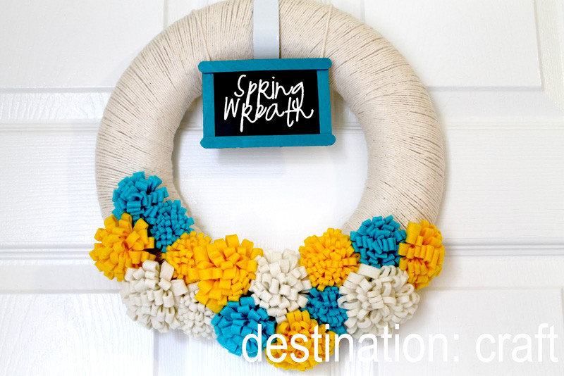 9 Modern Wreaths To Make This Spring