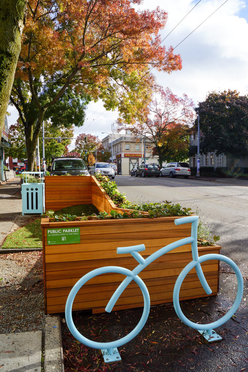 Strata Architects designed this little parklet in Seattle, Washington that's the perfect spot to enjoy a coffee break on a sunny day or lock up your bike while you run some errands.