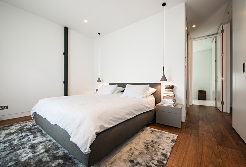 21 examples of bedrooms with bedside pendant lights for Bedroom hanging lights